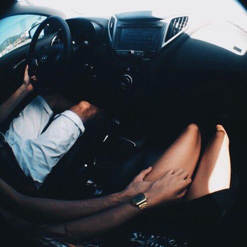 бывают случаи, фото он и она в машине долидзе дизайнер нашумевших