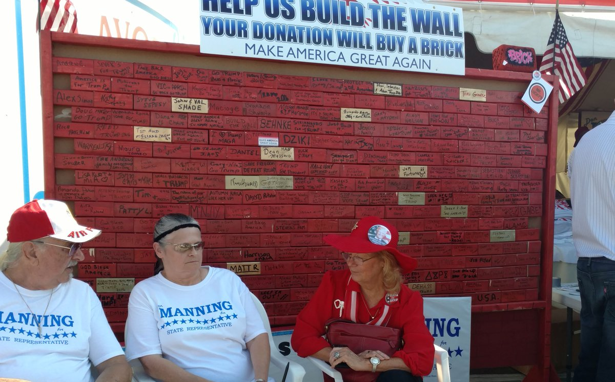Trump 'wall' a popular GOP fundraiser at Canfield Fair https://t.co/fNnsUeze9R https://t.co/7IE1vvFCYs