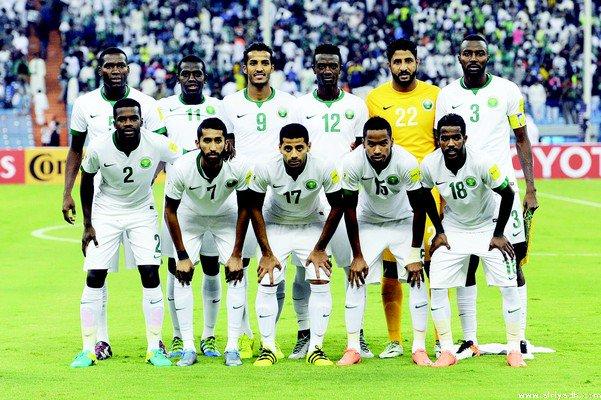 صحيفة الرياض : الجولة الثانية بين المنتخب السعودى والمنتخب العراقى (ج2 تصفيات كأس العالم 2018) coobra.net