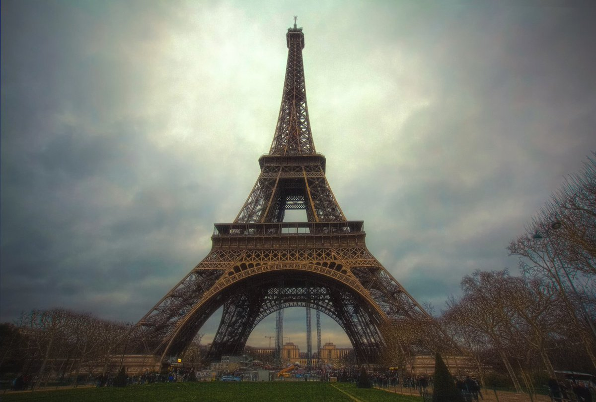 HD Wallpapers On Twitter Effile Tower Love Paris Dusk Photography Photo Download Full HDWallpaper Android Tco MhtUZCWVno