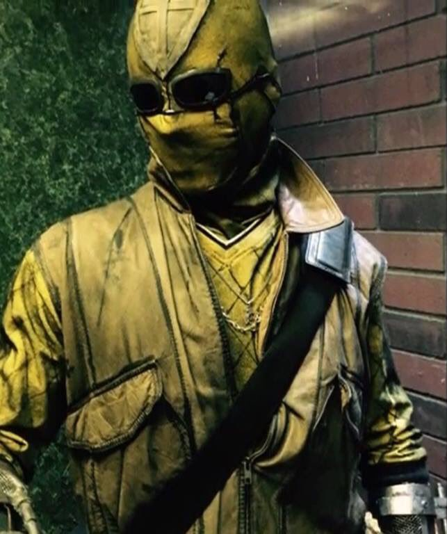 A clearer image of the Shocker costume.