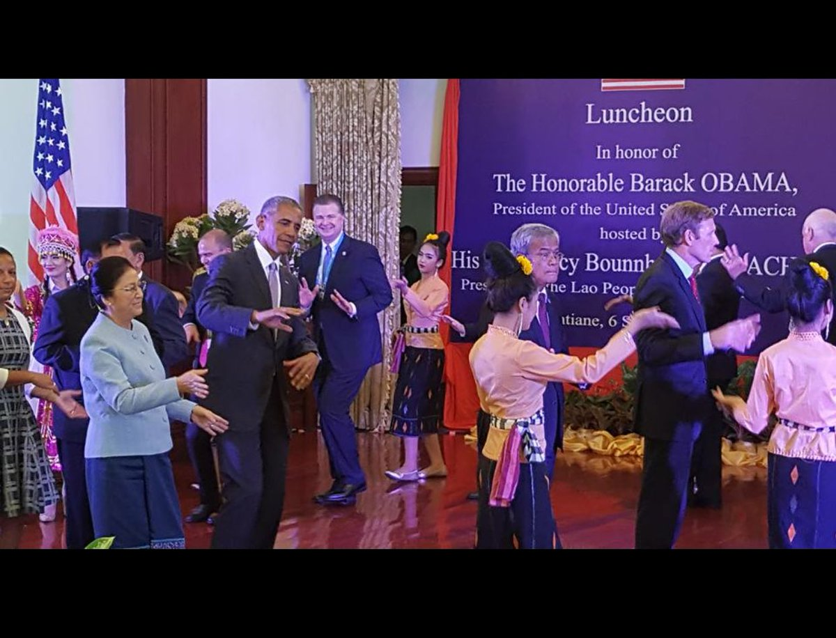 .@POTUS fashionably late to speech because he's getting his lumvong on at luncheon w/ #Laos President Vorachith 👏😂🎉