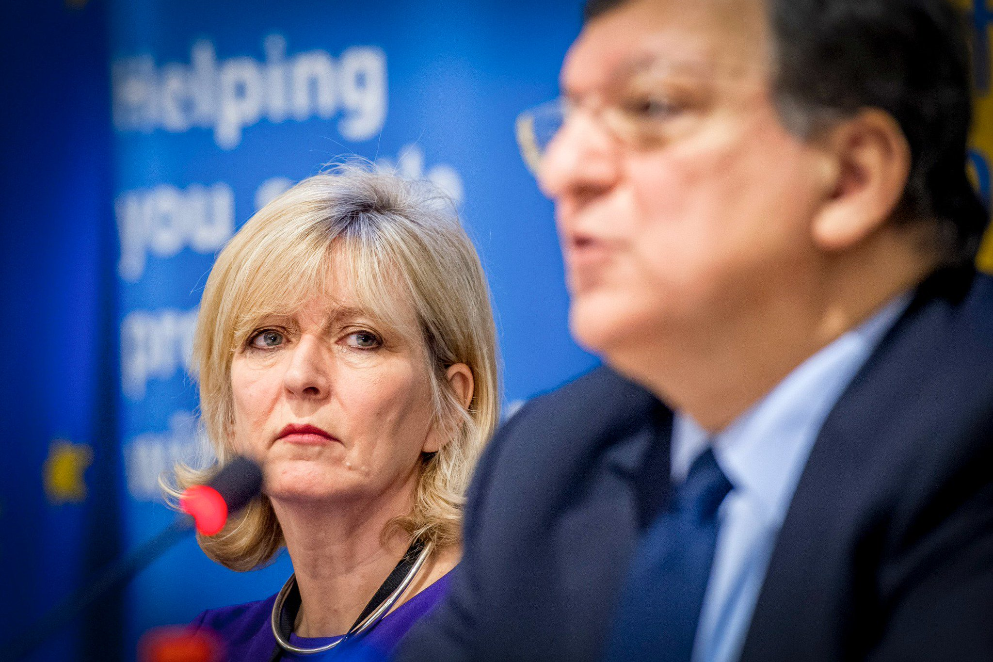 Thumbnail for Ombudsman calls on President Juncker to clarify position on Barroso appointment