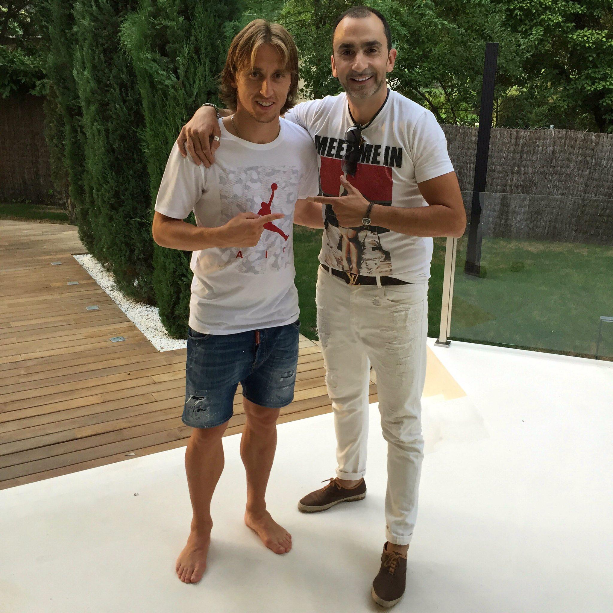 ¿Cuánto mide Luka Modric? - Altura - Real height - Página 2 Crsc8sjWIAA5Cy-?format=jpg&name=4096x4096