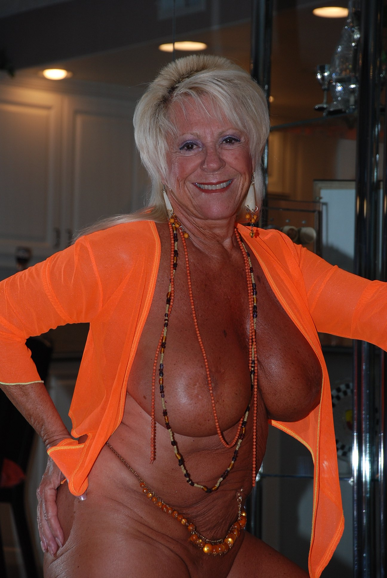 Sexy granny mandi mcgraw - 3 part 7
