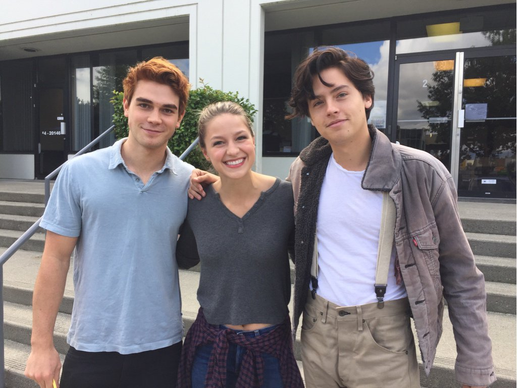 Archie comics on twitter archie and jughead meet supergirl archie comics on twitter archie and jughead meet supergirl riverdale cwriverdale thecwsupergirl kjapa m4hsunfo Images