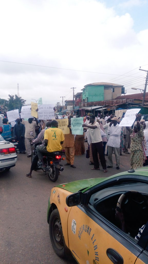 PHOTOS: Workers Protest In Kwara Over 7 Months Of Unpaid Salaries