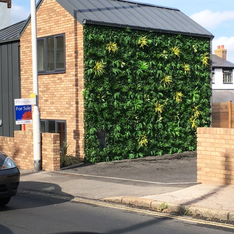 Noticed this on Cowick Ln? Meant to be green wall but they opted for plastic plants..! Disappointing @HopBackBrewery https://t.co/A2aZlvBhaO