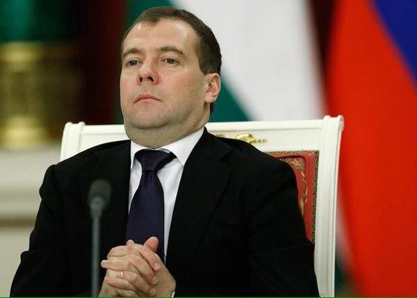 """""""Денег нет. Держимся. Настроение плохое"""": в Бурятии Медведева встретили ироническими плакатами, активисты задержаны - Цензор.НЕТ 7183"""
