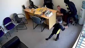 YouTube: bimba di 6 anni difende la vittima di un furto in Nuova Zelanda