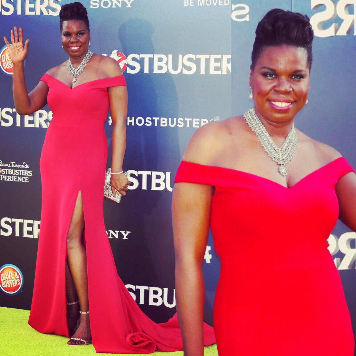 Happy Birthday to this amazing and beautiful women Leslie Jones! Hope you have the best day ever! @Lesdoggg 🍰🍾🍾🎊🎉🎁🎈