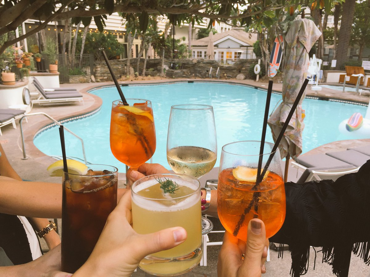 Cheers to a Hump day dinner by the pool @FIGSANTAMONICA #TGatFIG https://t.co/hLkv5K4Z82