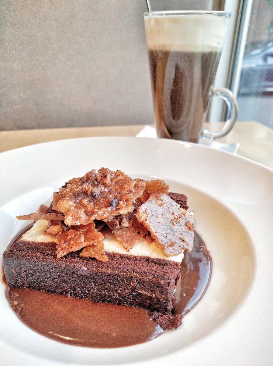 Travelling Foodie Eats Cioccolata and drinks Colonial at Paese Ristorante Toronto