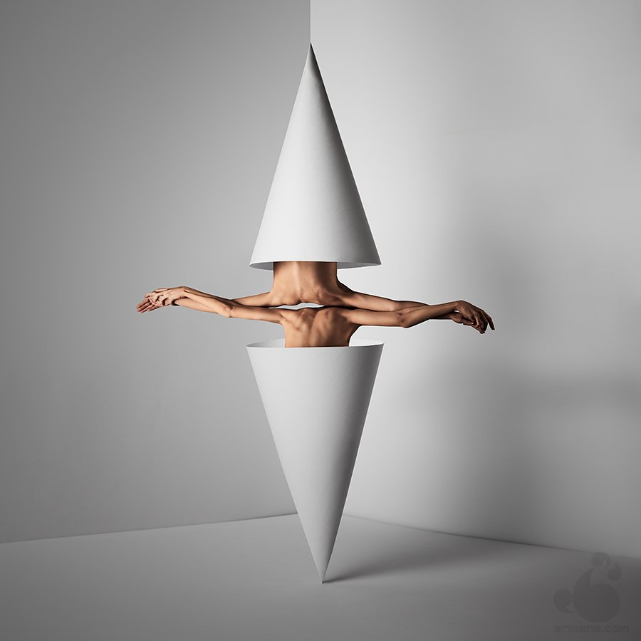 El cuerpo humano como instrumento de manipulación - Adulto - Adulto