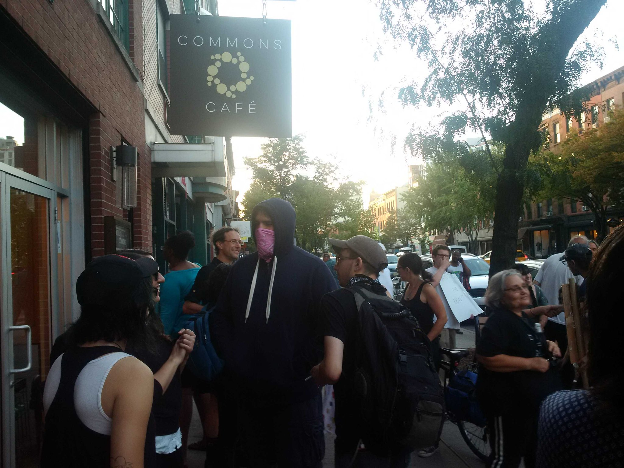 Protests outside the Brooklyn Commons for talk with Christopher Bollyn on Israel's role in 911 https://t.co/T8wwo99lY0