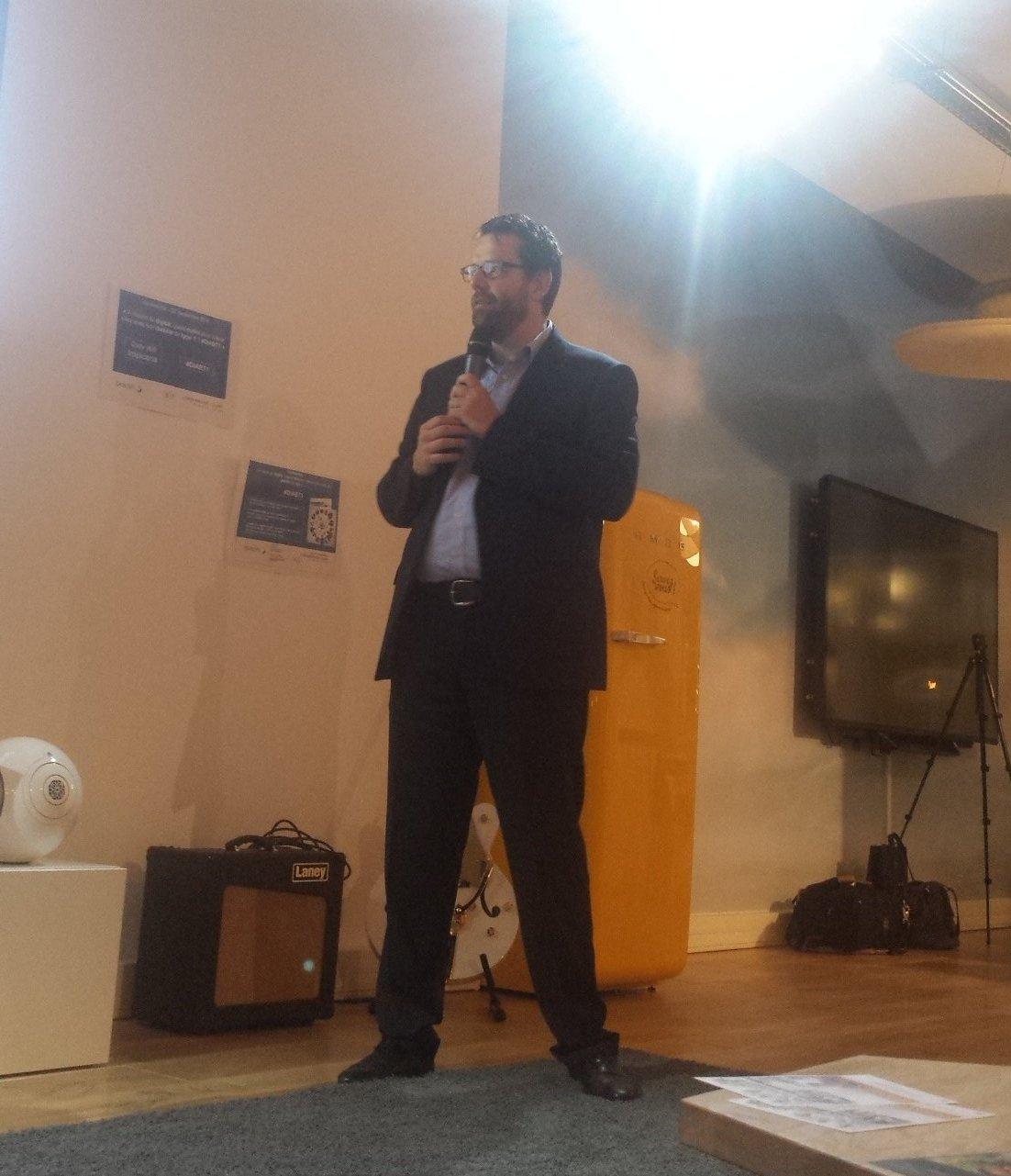 @LionelREICHARDT en scène pour l'animation de la conf  #diabt1 https://t.co/uzfDHLkTjp