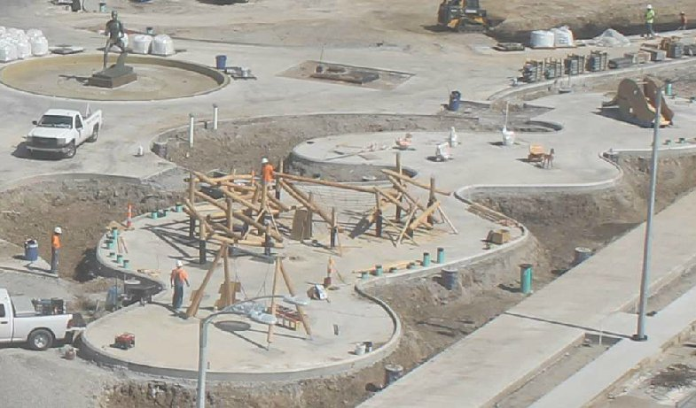 Spying at that play garden in the new Kiener Plaza remodel... pretty cool. @CityArchRiver https://t.co/WSfU5nvazS