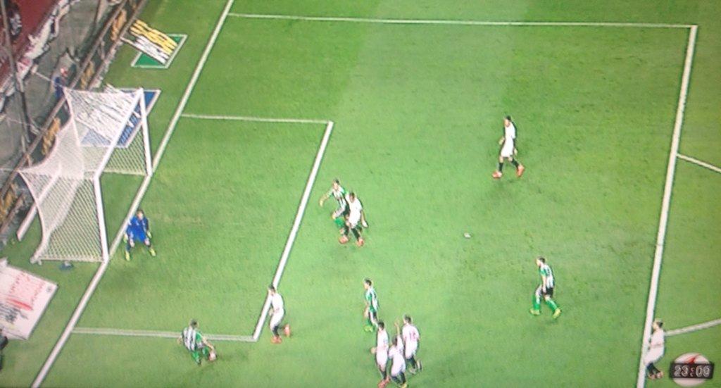 Gol absolutamente legal anulado a Alex Alegría. Era el 1-1. No habïa fuera de juego. 52' #SevillaFC #RealBetis https://t.co/4dlAWvjFtN