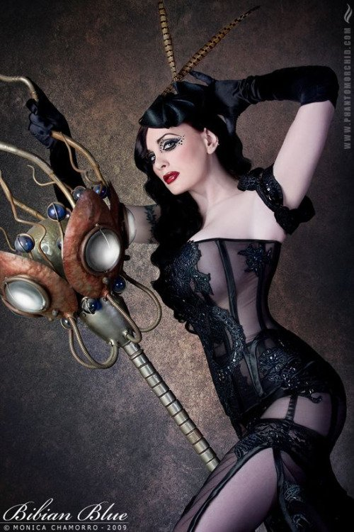 My New #SamaCollection Tweets with @TheBongEye @carolineanngoth - Feat. @steam_punk_girl https://t.co/iLWqTUIbYx
