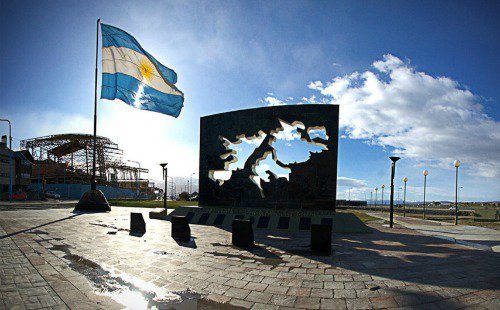 Defender la soberanía argentina en Malvinas es un imperativo constitucional https://t.co/XWcuipiLxC https://t.co/YXmWC2ok2L