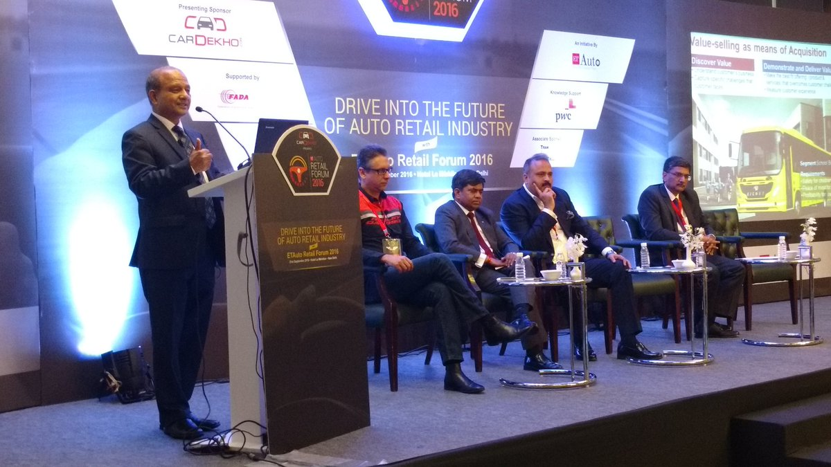 Vinod Aggarwal ,CEO , @Volvo @ETBIndia  shares his views on customer aquisition #etautoretailforum https://t.co/lscJegISXI