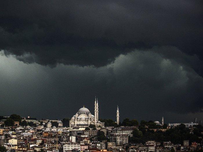 Meteoroloji İstanbul için yağmur uyarısında bulundu