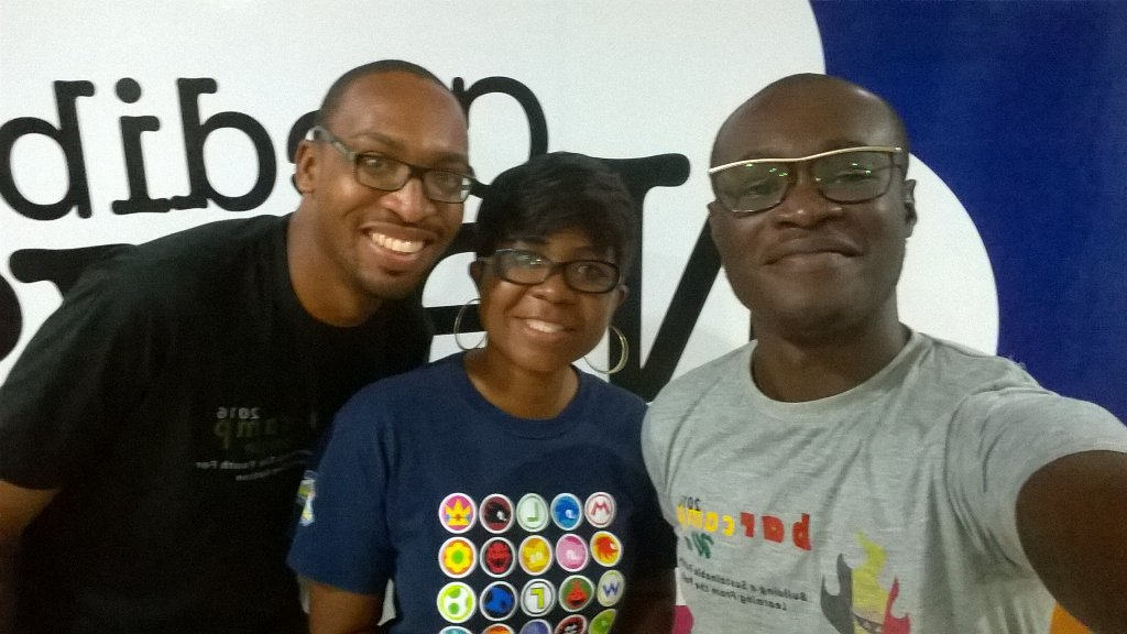 Groufie with @ewuramasmith who says she has been volunteering since 4am @3fm927 on #NVDay16 with @Abocco. https://t.co/YPbHIKqV5H