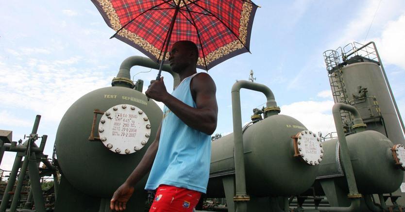 Nigeria fa causa alle più importanti compagnie petrolifere
