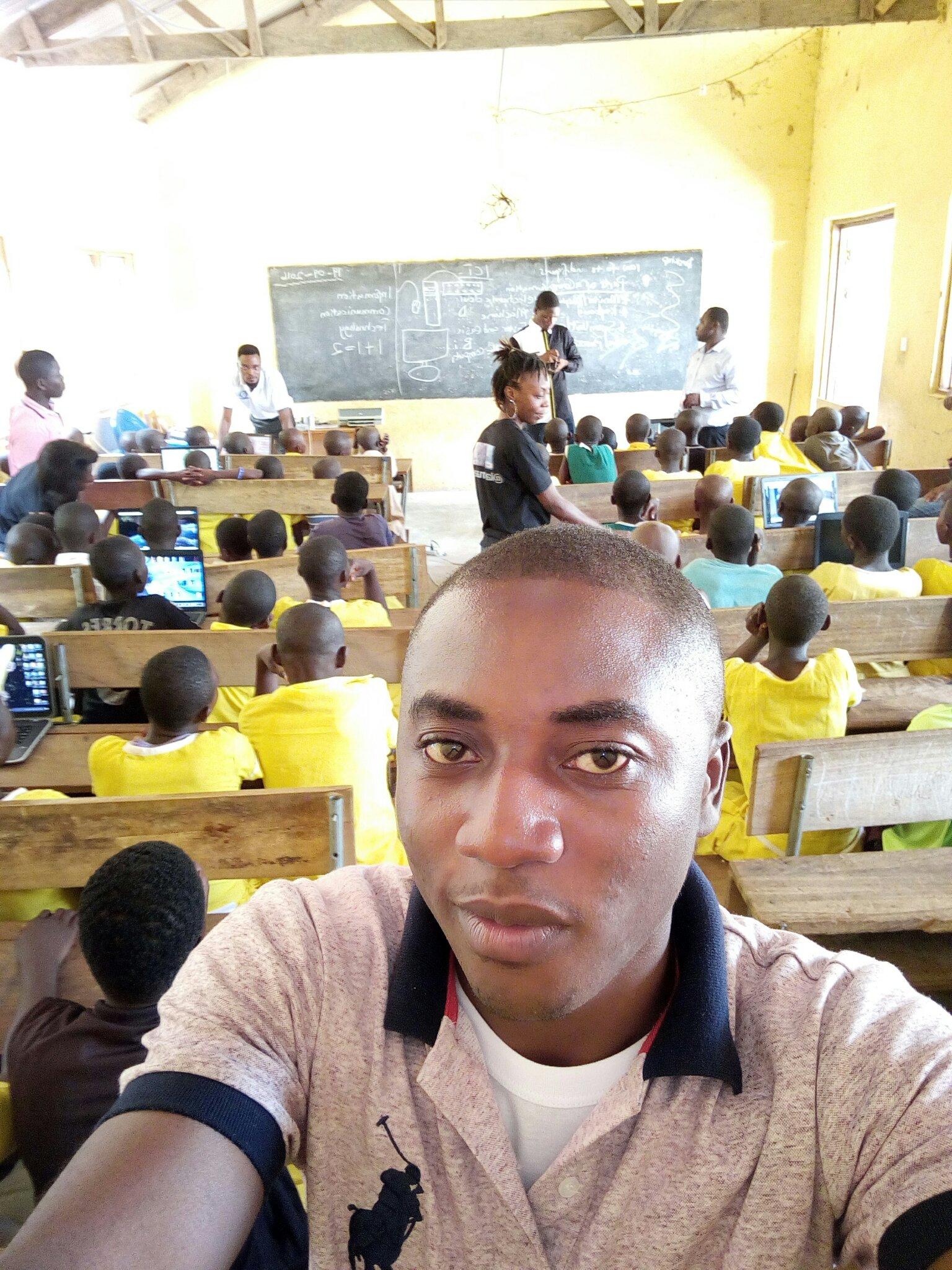 #nvday16 I volunteered! Did you? #ruraleducation  @kofiemeritus @akyherb @Abocco https://t.co/WZOTFSWE7H
