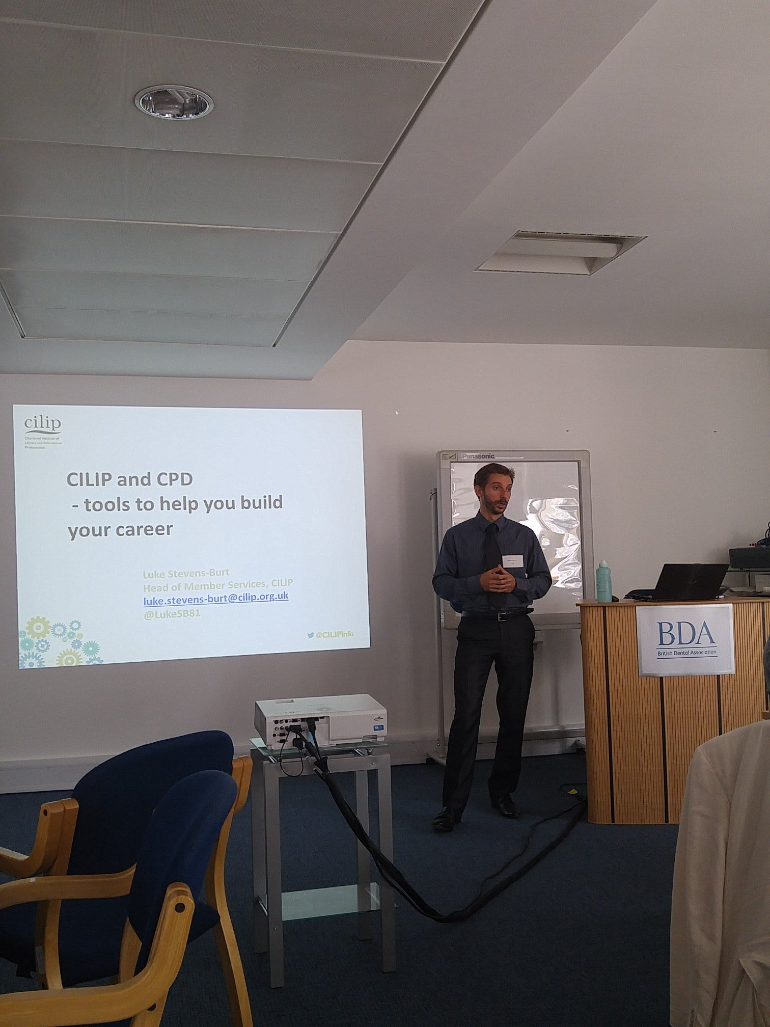 First up is @LukeSB81 from @CILIPinfo on the changing professional landscape #netikx81 https://t.co/JIYAuHXEEo