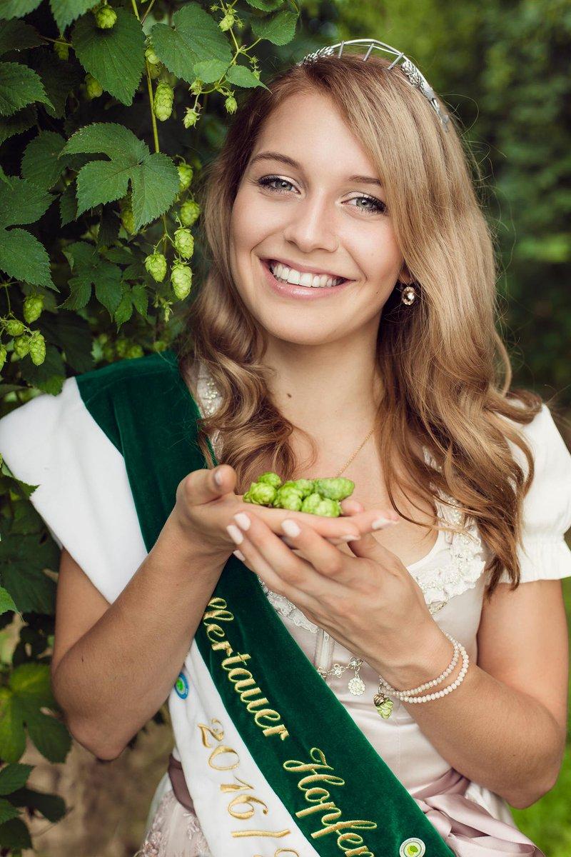 Allianz Deutschland On Twitter Landwirte Tochter Studentin