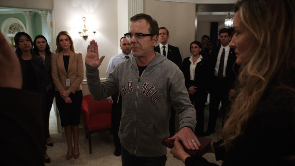 Watch a (fake) Cornell alumnus get sworn in as POTUS! Tonight on @ABCDesignated  at 10|9c. #DesignatedSurvivor https://t.co/bnGH4kXVGz