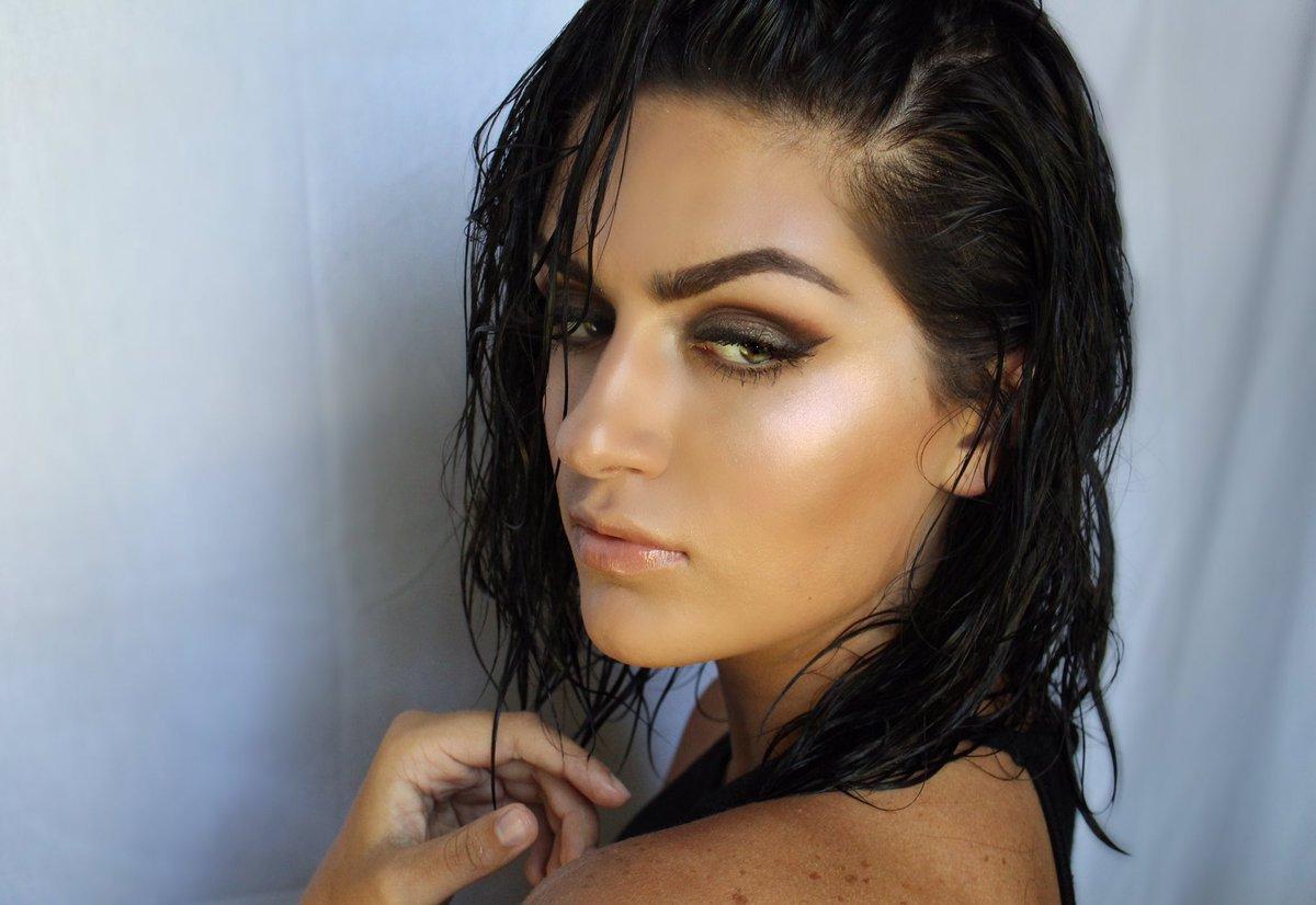 Lindsay Davis Nude Photos 4