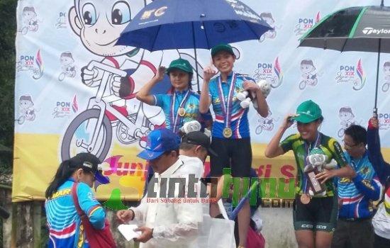 Sukses! Pebalap Sepeda Wanita Tambah Perolehan Emas Bagi Jabar