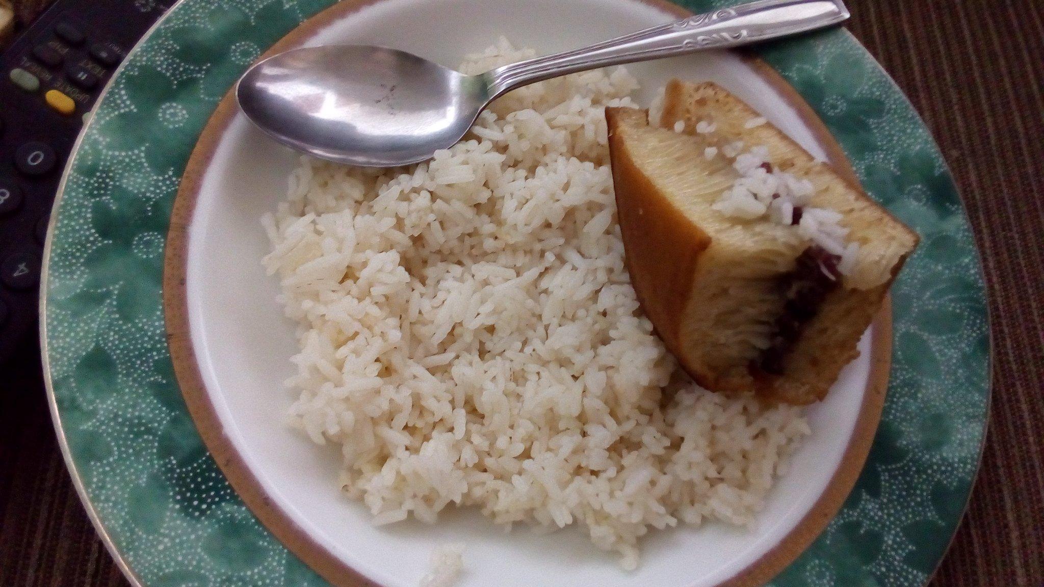 4-foto-ini-membuktikan-orang-indonesia-tidak-bisa-kenyang-tanpa-nasi