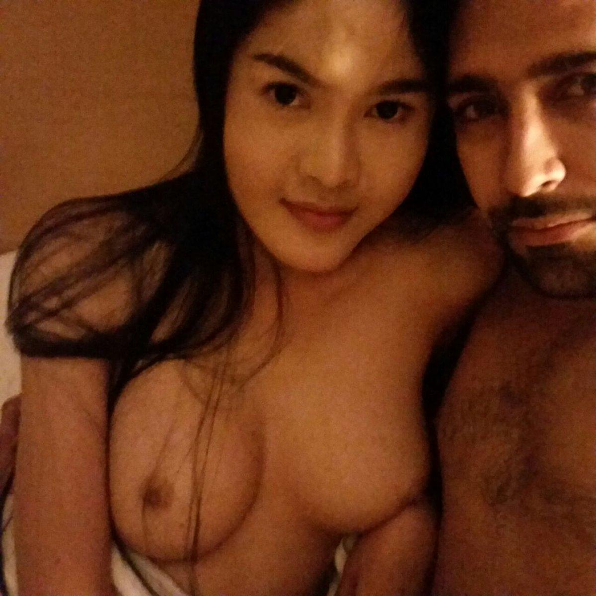 Nude Selfie 8604