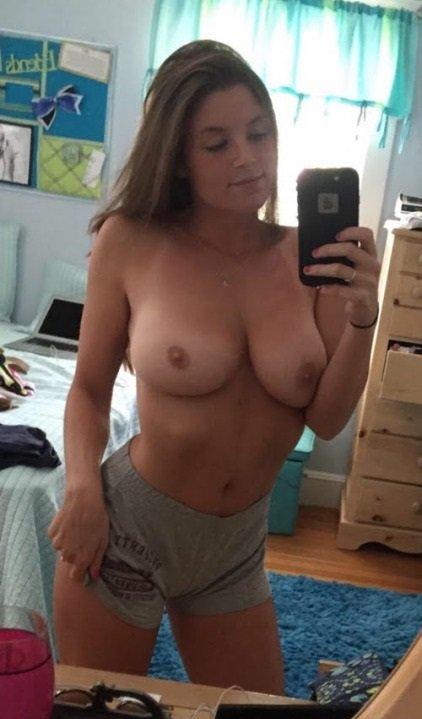 Nude Selfie 8614