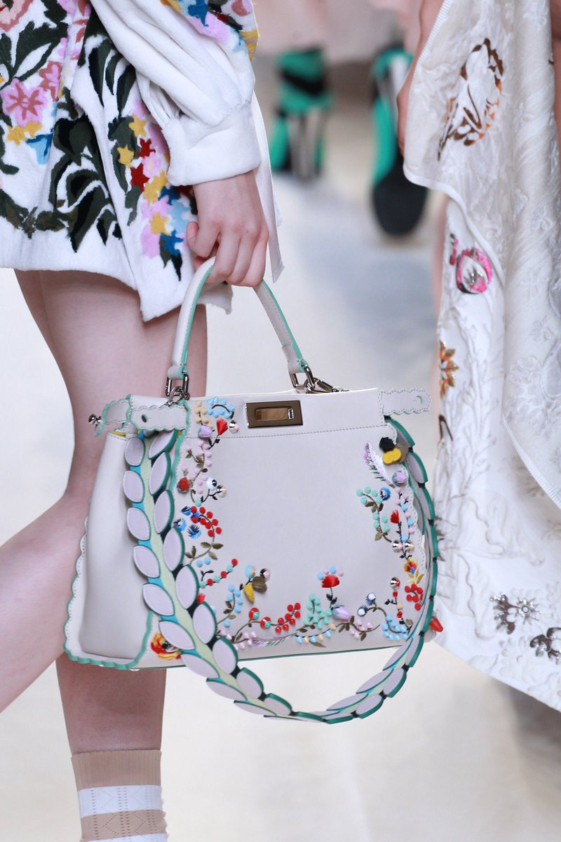 Chanel коллекция Коллекции весна-лето 2017 Париж VOGUE