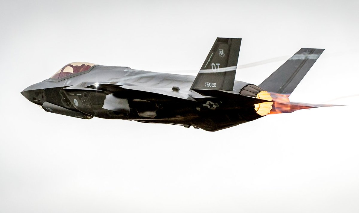 The F-35 Stealth Fighter May Never Be Ready for Combat https://t.co/VECWmBZjL4 https://t.co/sn62WpzrCC