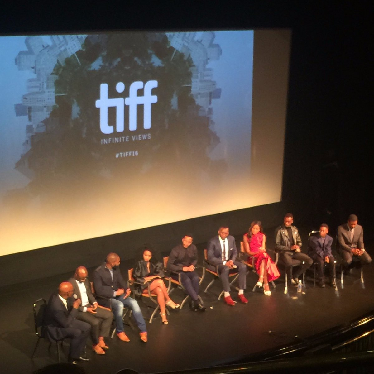 Barry Jenkins has made a film so powerful and moving and poetic, it hurts.  MOONLIGHT is essential viewing! #TIFF16 https://t.co/khES7e5NBJ