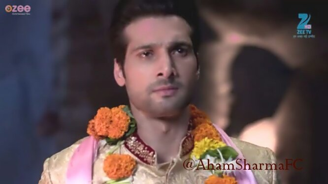 Good morning, Super hero 😊 Have a lovely Sunday and we enjoyed your performance a lot last night 😊😊😃 @1AhamSharma https://t.co/oTUrskO34H