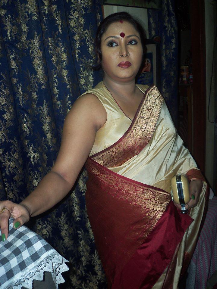 Auntys armpits Desi