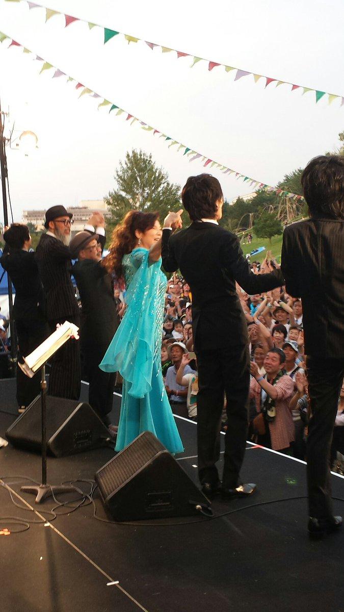 中津川の空にありがとう♪ 八代亜紀さんが晴れ間をもって 来てくれましたー‼ https://t.co/CO0JlznKoD