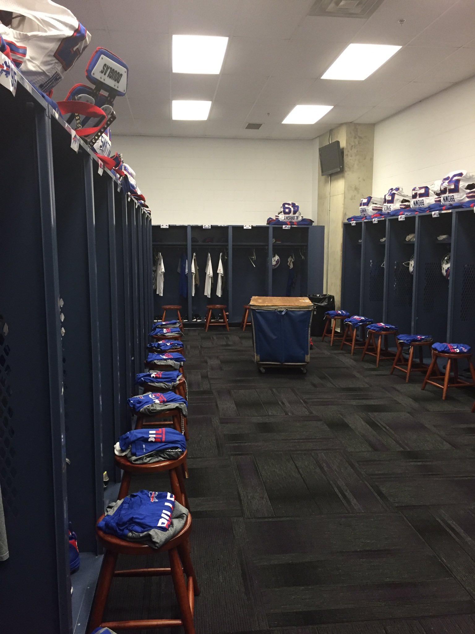 Locker room setup here in Baltimore Go #Bills https://t.co/9yFIsc9Ayk