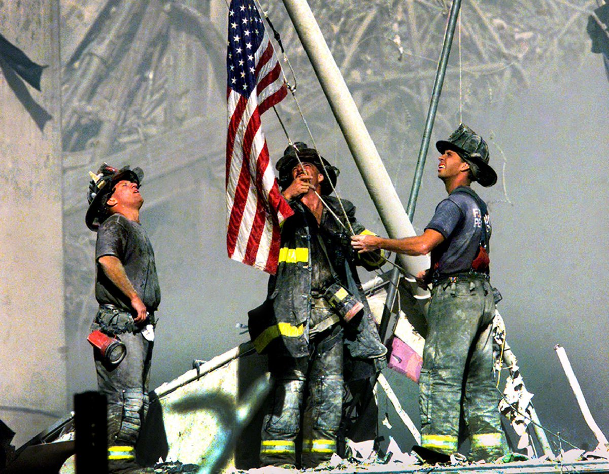 United We Stand. We will never forget those that lost their lives and loved ones on this day 15 years ago. https://t.co/YkDdy7QKDM