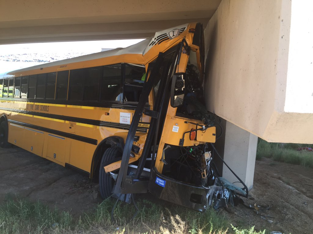 BREAKING: School bus crash @ DIA. Several transported in critical condition. Watch here for updates. https://t.co/V9QtfqhP6D