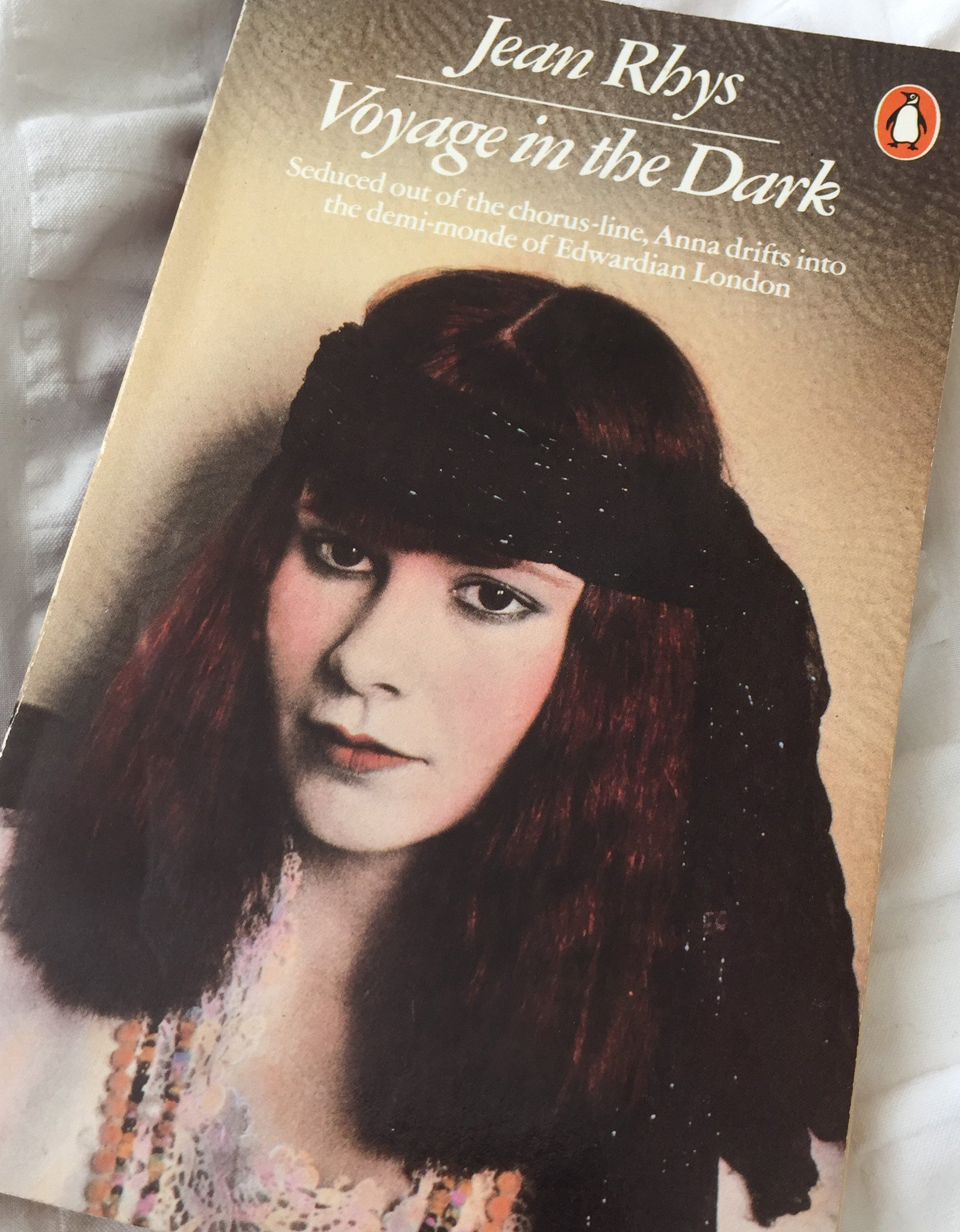 It's #ReadingRhys week. I'm all set to read Voyage in the Dark-I was 18 when I first read it https://t.co/PUxUwUHU8a https://t.co/owC5FrvpvQ