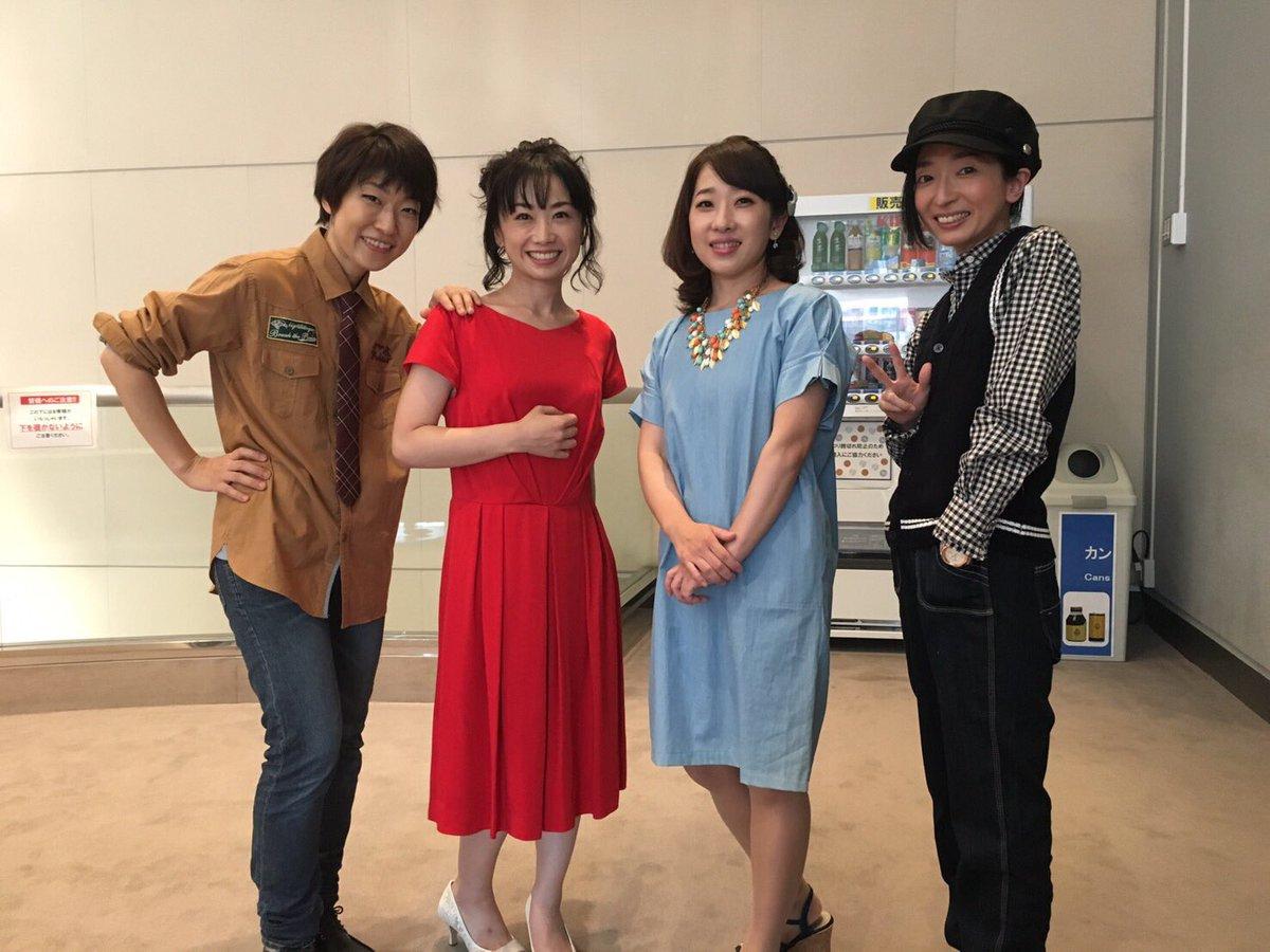 おはようございます。増田ゆきです。 星奏学院祭5、終わってしまったんですねぇ…。 お花、プレゼント、お手紙、あ、コメントも! 全てが宝物です。本当にありがとう!! 写真は、ミニマム女子ズ(笑)! https://t.co/7C1o9wXSoG