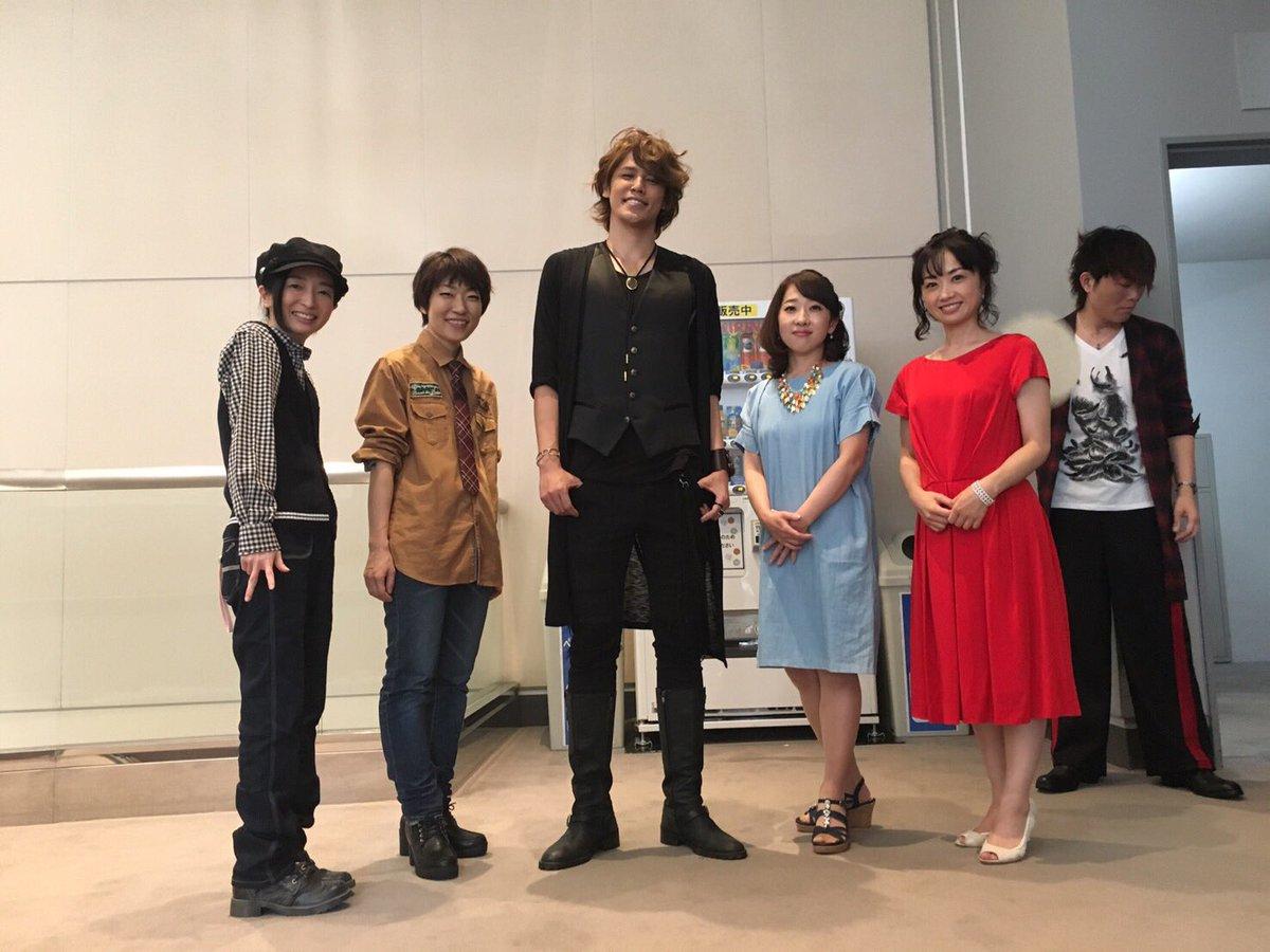 ミニマム女子ズ(ヒール高い靴だよ)と、大きいマモくん(笑)。わはは。 つーか、後ろ!後ろに油断しまくった紀章くんが! 増田ゆき(*^^*) https://t.co/s59R8l2i38