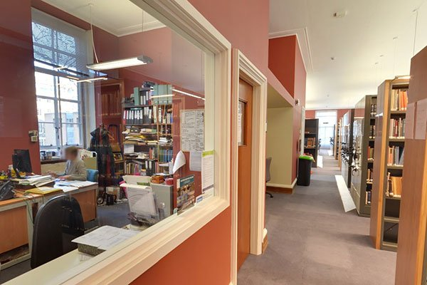 Library enquiries office is located on 1st floor. Maps, information and friendly librarians can all be found here! https://t.co/7WXasc5bGh